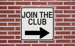 Sign with arrow says Join The Club